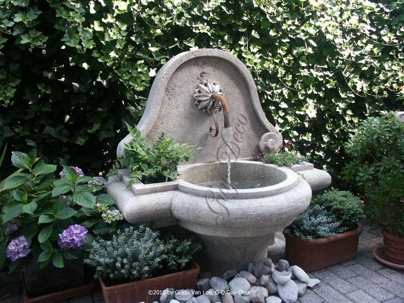 Fonteinen die reeds naar voorbeeld van historische oorsprong werden gemaakt guy deco - Deco van de tuin ...
